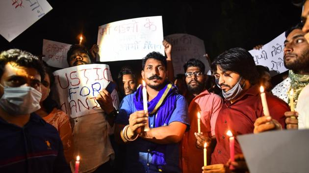 Bhim Army chief Chandrashekhar Azad leads a candle light protest against the rape of a 19-year old woman in Hathras who died at Safdarjung Hospital.(Sanchit Khanna/HT Photo)