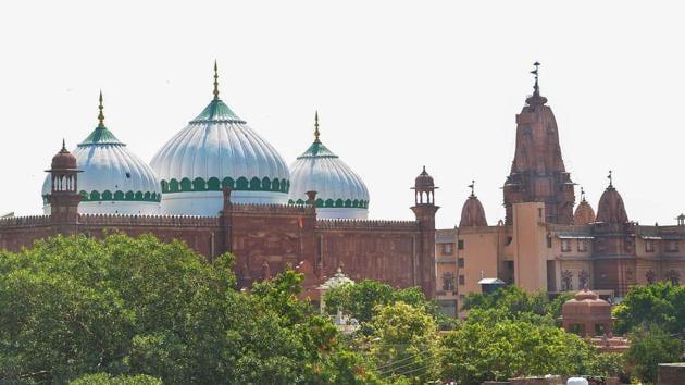 The Sri Krishna Janmabhoomi temple and Shahi Idgah mosque in Mathura.(PTI)
