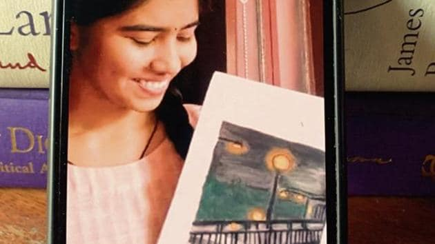 Sonam Pandey, a 22-year-old Master's student in Hindi Literature, just finished immortalising a man she knew—in a painting.(Mayank Austen Soofi)