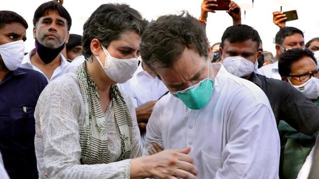 Congress leader Priyanka Gandhi Vadra and Rahul Gandhi at Yamuna Expressway while they were on their way to Hathras on Thursday.(ANI Photo)