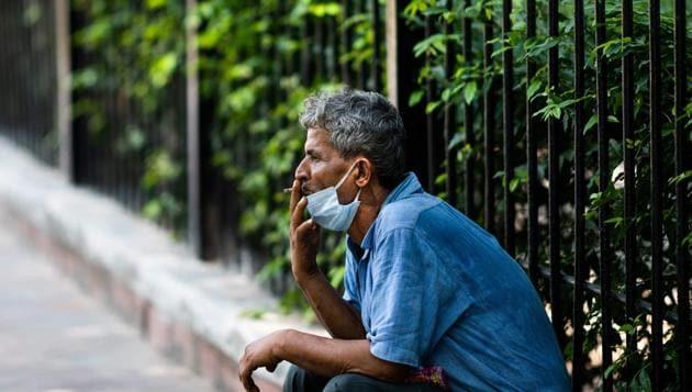 Doctors suggest having open designated zones for smoking instead.(AFP)
