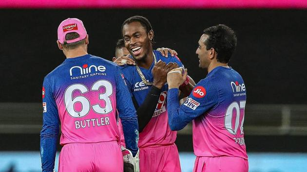 Rajasthan Royals player Jofra Archer celebrates the wicket of Kolkata Knight Riders batsman Shubman Gill.(PTI)