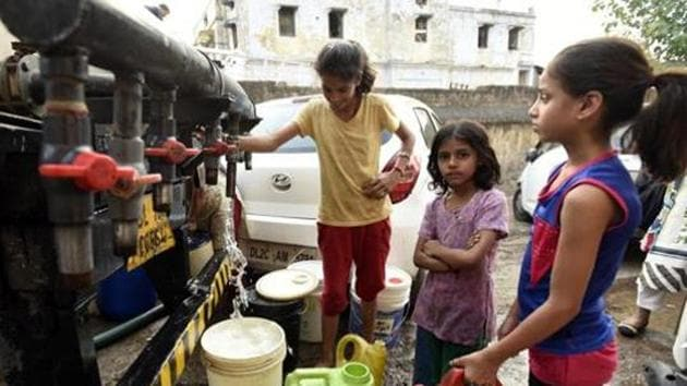 The total cost incurred on supply of water in Bhopal alone is Rs 300 crore in a year, said an official.(Sonu Mehta/HT PHOTO)