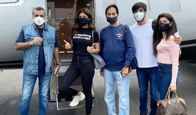 Shilpa Shetty with the team of Hungama 2.