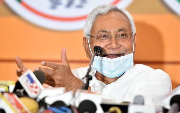 Bihar assembly election 2020: Chief Minister and JD(U )leader Nitish Kumar addresses a press conference on seats sharing arrangements with the NDA for assembly elections in Patna(HT Photo/Parwaz Khan)