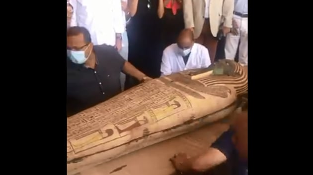 The image shows the mummy coffin which was sealed 2,600 years ago.(Twitter/@NZinEgypt)