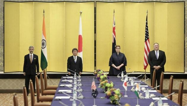 Subrahmanyam Jaishankar, India's foreign minister, from left, Toshimitsu Motegi, Japan's foreign minister, Marise Payne, Australia's foreign minister, and Michael Pompeo, U.S. Secretary of State, pose for a photograph prior to the Quadrilateral Security Dialogue (Quad) ministerial meeting in Tokyo, Japan, on Tuesday, Oct. 6, 2020.(Bloomberg photo)