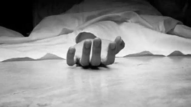 The body of the couple's eldest child, a seven-year-old boy, was found hanging in a room, while two daughters were aged three years and one year were found dead on the bed.(Representational photo)