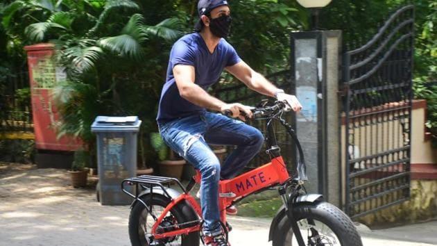 Ranbir Kapoor on his new bike.(varinder chawla)