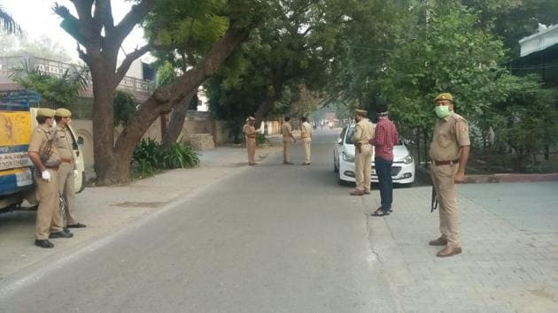 Police have begun investigating the murder of Naresh Tyagi on Friday morning.(Sourced)