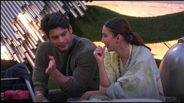 Bigg Boss 14: Sidharth Shukla and Gauahar Khan share stories in the house.