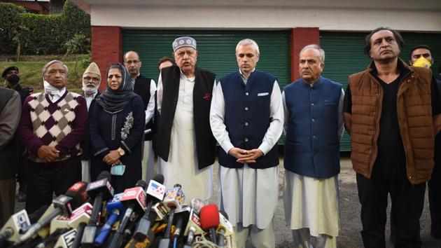 Leaders of People's Alliance during a joint press conference on the 'Gupkar Declaration' in Srinagar, on October 15.(Waseem Andrabi/HT Photo)