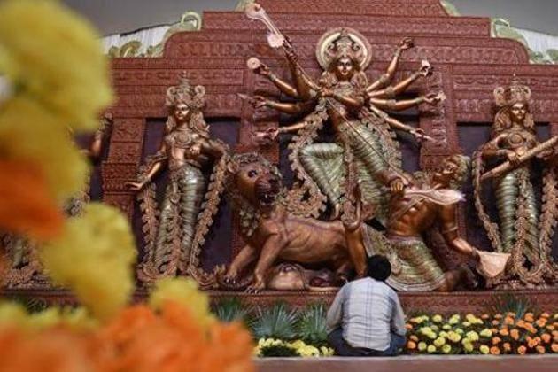 A view of a Durga Puja pandal, New Delhi(Sanchit Khanna/HT PHOTO)