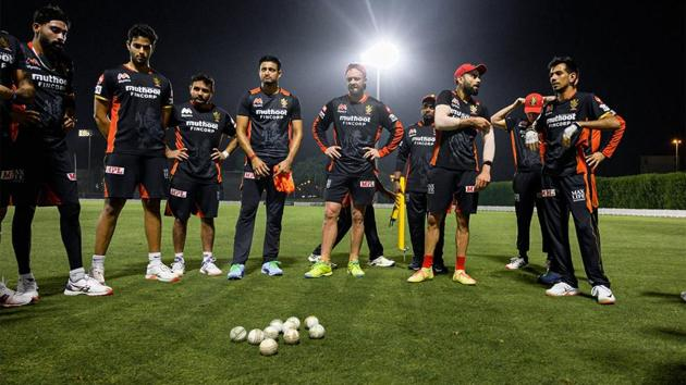 IPL 2020: RCB players gather during a practice session.(RCB/Twitter)