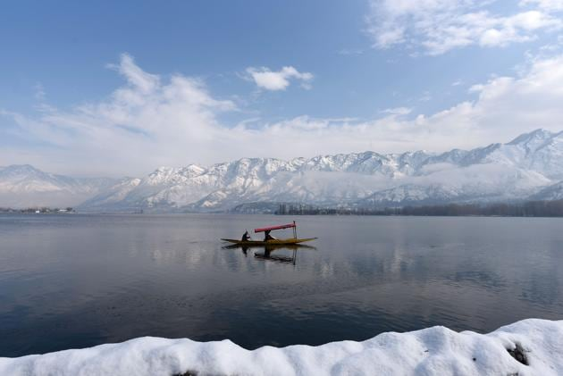 Travel enthusiasts feel safer holidaying at places closer to home(Photo: Waseem Andrabi / Hindustan Times)