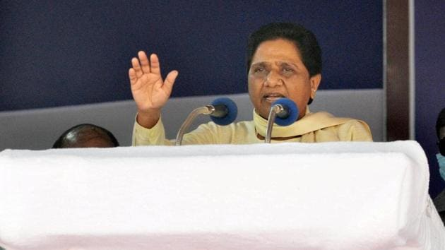 Mayawati said that Nitish Kumar failed miserably in helping the migrants come home and also failed in providing them livelihood after return.(PTI)