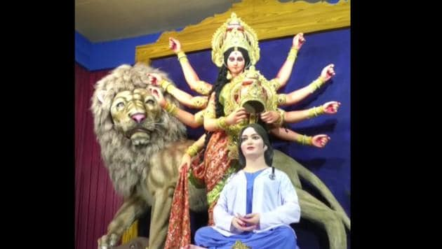 In this theme-based pandal, goddess Durga is seen crowning the health-care worker.(ANI)