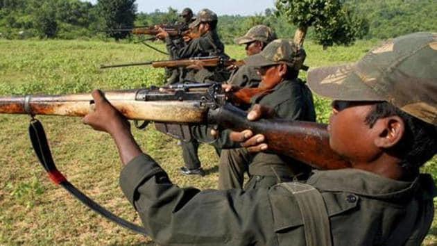 Maoist rebels train in a forest area in Bihar.(AP)