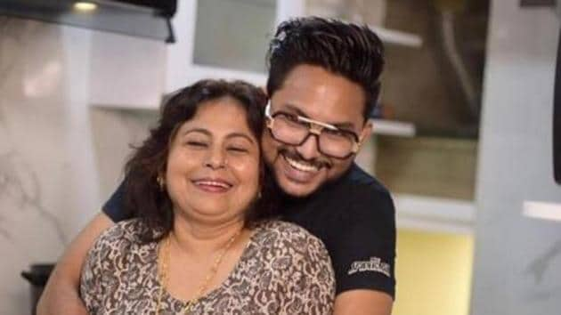 Jaan Kumar Sanu's mom Rita got emotional as she said she was hurt with Rahul Vaidya's nepotism comment .