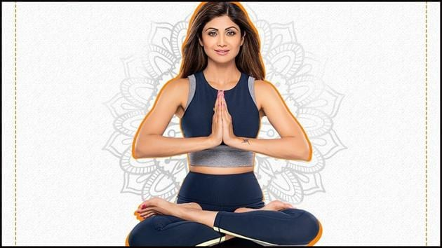 Shilpa Shetty shows how Yoga can improve blood circulation-strengthen the core(Instagram/simplesoulfulapp)