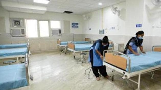According to the Delhi government bulletin on Sunday, out of the total number of 15,775 beds in Covid hospitals, 9,314 were vacant.(Ajay Aggarwal /HT PHOTO)