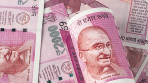 Despite the early bounce, Rupee appeared to struggle, even as the dollar remained broadly weak.(Getty Images/iStockphoto)