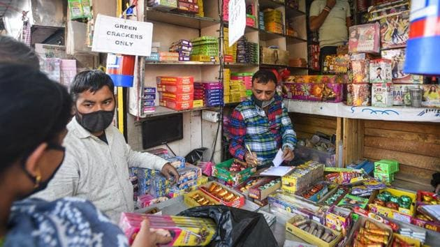 The tribunal said it may have to consider prohibiting the use of firecrackers to protect the health of the vulnerable groups in 122 non-attainment cities where air quality, as per record maintained by the CPCB, is generally beyond permissible limits.(Amal KS/HT Photo)