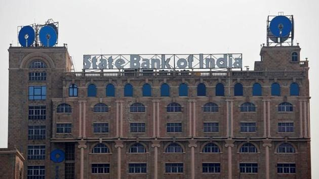 FILE PHOTO: The State Bank of India (SBI) office building is pictured in Kolkata, India, February 9, 2018. REUTERS/Rupak De Chowdhuri/File photo(REUTERS)