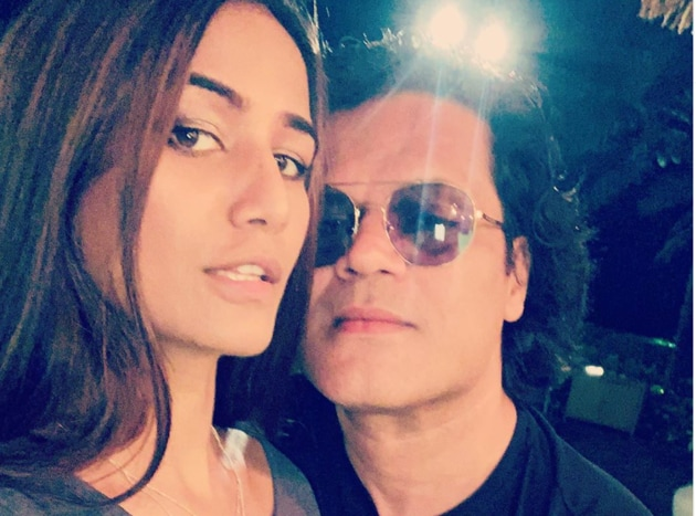 Poonam Pandey has shared a new picture with her husband Sam Bombay.