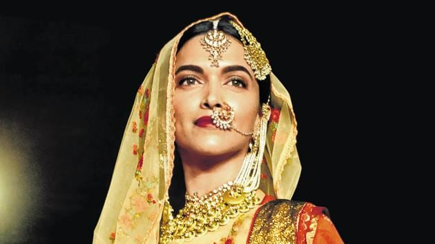 Actor Deepika Padukone is set to play Draupadi in a film adaptation of Chitra Banerjee Divakaruni's book, The Palace Of Illusions.(HT Photo)