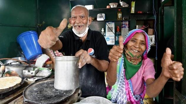 Kanta Prasad (80), the owner of the eatery, had shot to fame after a video of him tearfully recounting the desperation of the months since the lockdown was shot by YouTuber Gaurav Wasan and shared widely across social media platforms recently.(PTI file photo)