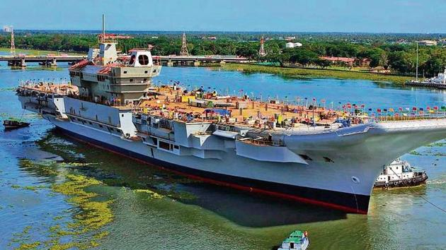 The agency found that 1,500 to 2,000 people worked on the aircraft carrier during the day; 600 to 700 worked overtime, after 6 pm; and 200 to 300 worked through the night.(File photo)