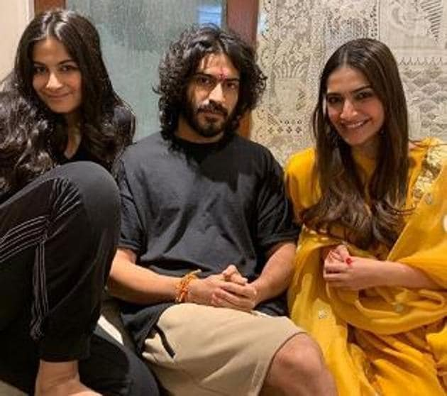 Harsh Varrdhan Kapoor poses with sisters Rhea and Sonam Kapoor.