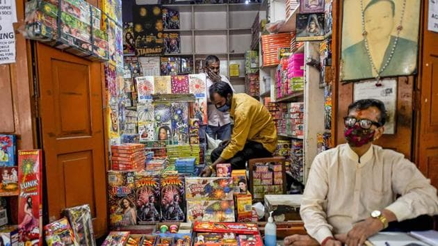 A firecrackers' shop, ahead of the Diwali festival, near Jama Masjid in old Delhi. The Delhi Government has announced ban on burning of firecrackers, including those branded 'green', between November 7 and 30 in the view of rising air pollution.(PTI)