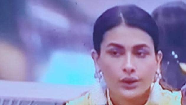 Farah Khan slammed Pavitra Punia for her behaviour with Eijaz Khan.