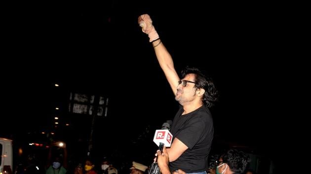 Republic TV editor-in-chief Arnab Goswami after being released from Taloja Central Prison in 2018 suicide abetment case at Kharghar in Navi Mumbai on Wednesday.(Bachchan Kumar/HT Photo)