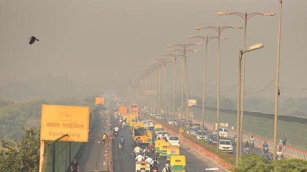 We need to do much more to reduce the number of vehicles — remember every time we clean up the tailpipe of the vehicle, but then add many more on the road, the end result of clean air is negated(Raj K Raj/HT PHOTO)