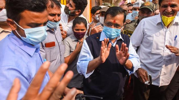 Delhi CM Arvind Kejriwal at the foundation laying ceremony of a strengthening project on Delhi-Rohtak Road, at Mundka in New Delhi.(Amal KS/ Hindustan Times)