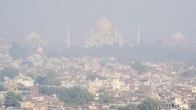 The Taj Mahal is seen engulfed in smog in Agra earlier in November.(AFP PHOTO.)