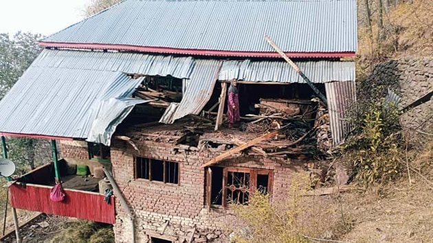 A house damaged in Pakistani shelling in Naugam Sector in Kashmir on Friday(ANI)