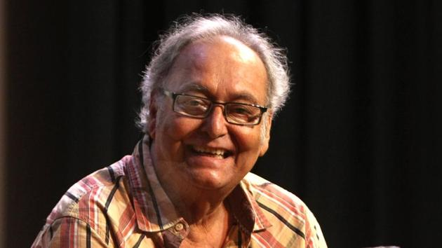 Veteran actor Soumitra Chatterjee in an event at ICCR in Kokata, West Bengal, India on July 11, 2011 (Photo by Samir Jana/HT Archive)