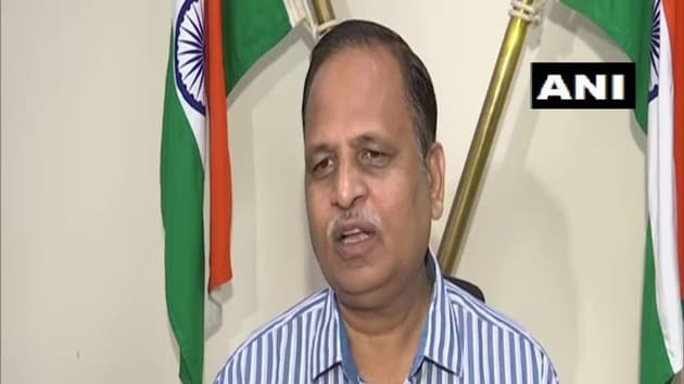 Delhi health minister Satyendar Jain reiterated the importance of wearing masks in preventing the spread of the disease.(ANI Twitter)