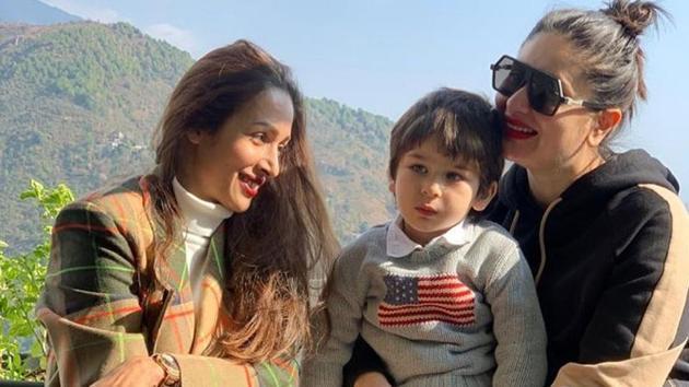 Malaika Arora, Kareena Kapoor and Taimur are chilling in Dharamshala.