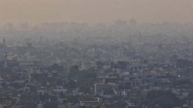 View of a neighbourhood shrouded in smog in Jaipur, Tuesday, Nov. 17, 2020.(PTI)