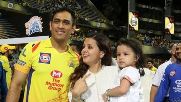 MS Dhoni with his wife Sakshi and daughter Ziva.(Vipin Pawar /SPORTZPICS for BCCI)