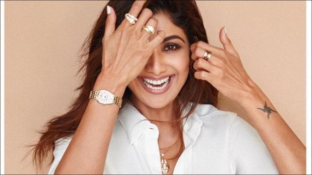 Here's how Shilpa nailed Yoga's headstand despite suffering cervical spondylosis(Instagram/theshilpashetty)