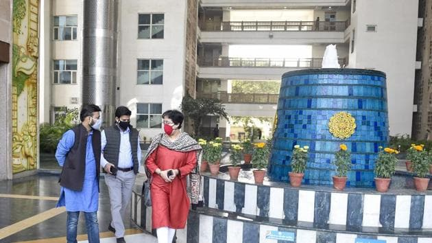AAP MLA and Chairperson of Environment Committee of Delhi assembly Atishi along with two members arrives to meet Chairperson of the Air Quality Commission regarding stubble burning in Punjab and Haryana, at Indira Paryavaran Bhavan, in New Delhi.(PTI)