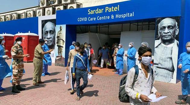 The Indo-Tibetan Border Police (ITBP) too has pitched in by announcing that they are increasing the number of beds at Sardar Patel Covid Care Centre and Hospital at Radha Soami Satsang Beas in Delhi's Chhatarpur.(ANI file photo)