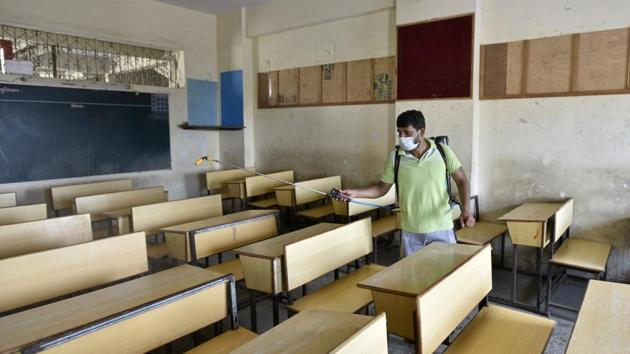 The Karnataka government on Monday decided not to reopen schools and pre-university colleges in December due to the prevailing COVID-19 situation.(Satyabrata Tripathy/HT Photo)