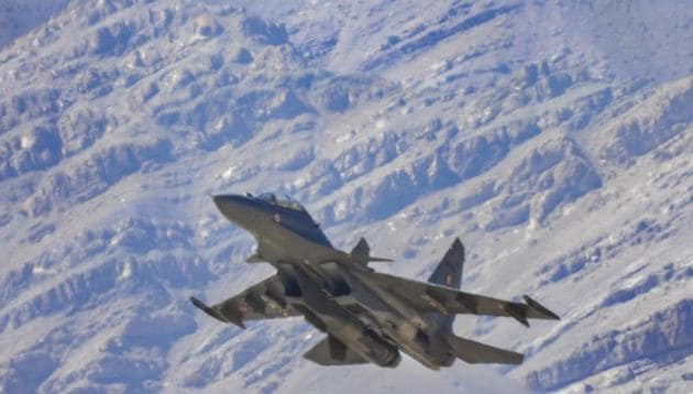 Indian Air Force fighter jet flies in the backdrop of Himalayan mountain range, amid the prolonged India-China stand off in eastern Ladakh.(PTI file)